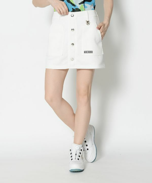 WHITE (Model:身長173cm,バスト81cm,ウエスト58cm,ヒップ86cm,着用サイズM)