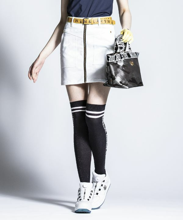 WHITE(Model:身長176cm,バスト83cm,ウエスト60cm,ヒップ90cm,着用サイズM)